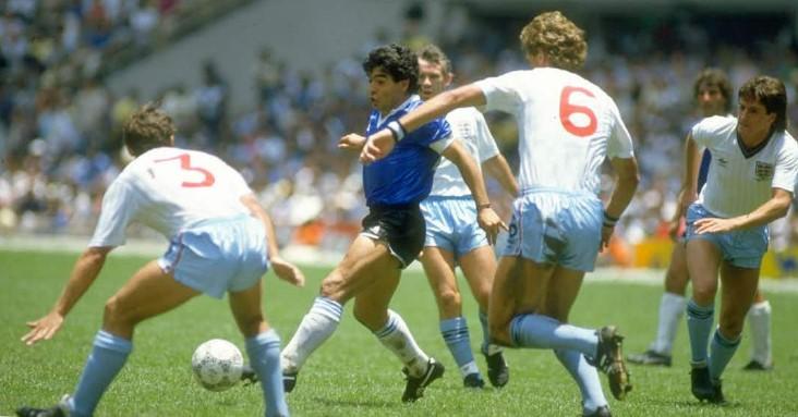 Video: el gol del siglo, la mano de Dios y otras pinceladas de Maradona contra los ingleses